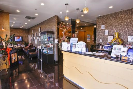 Rowland Heights Wave Plastic Surgery interior photo